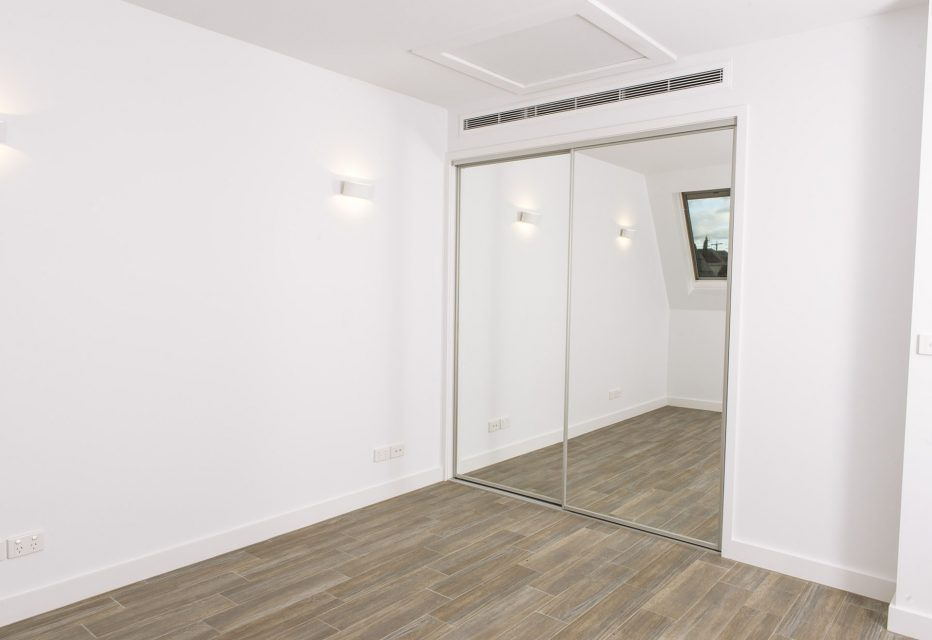 Photograph of mirrors at 6-2 Seymour avenue