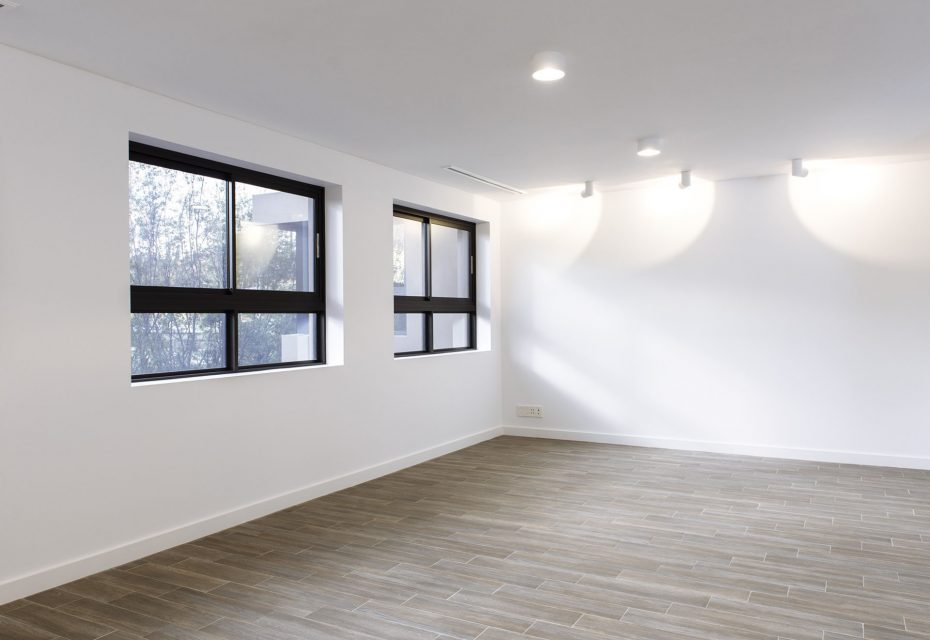 Photograph of an empty room at 6-2 Seymour avenue